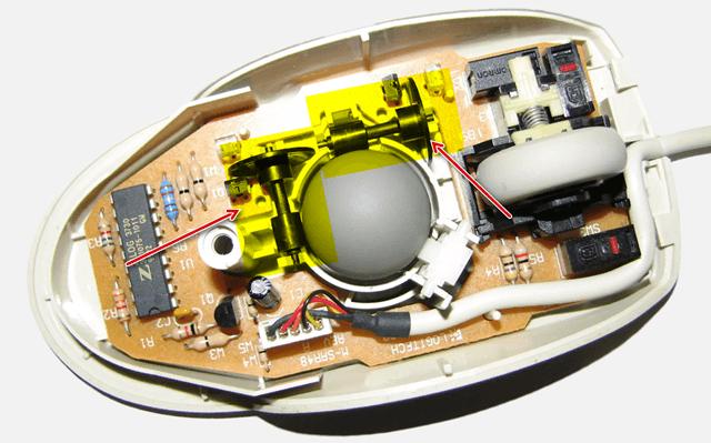 Старомодный механический механизм компьютерной мыши