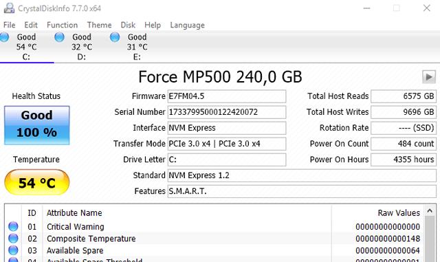 SMART данные дисков компьютера в приложении CrystalDiskInfo