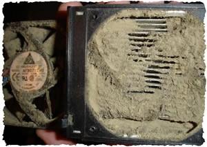 Забитый пылью вентилятор внутри компьютера